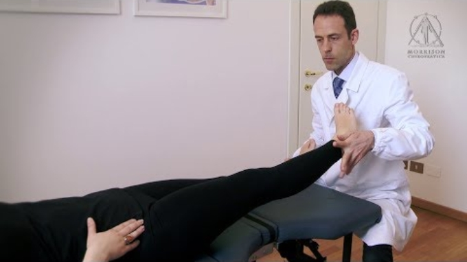 Sciatica and low back pain treated with Chiropractic and Applied Kinesiology. Click on English subtitles